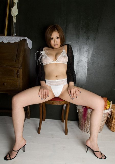 Japanese Babe Showing Her Asian Teen Pussy03